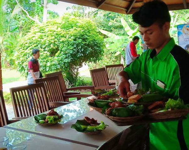 rumah makan alam sari subang